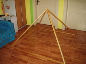 pyramida-skladacia-murdier